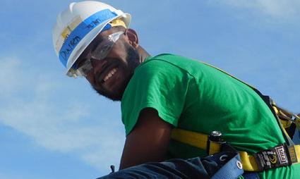 High School Senior Solar Futures Trainee Darren Johnson