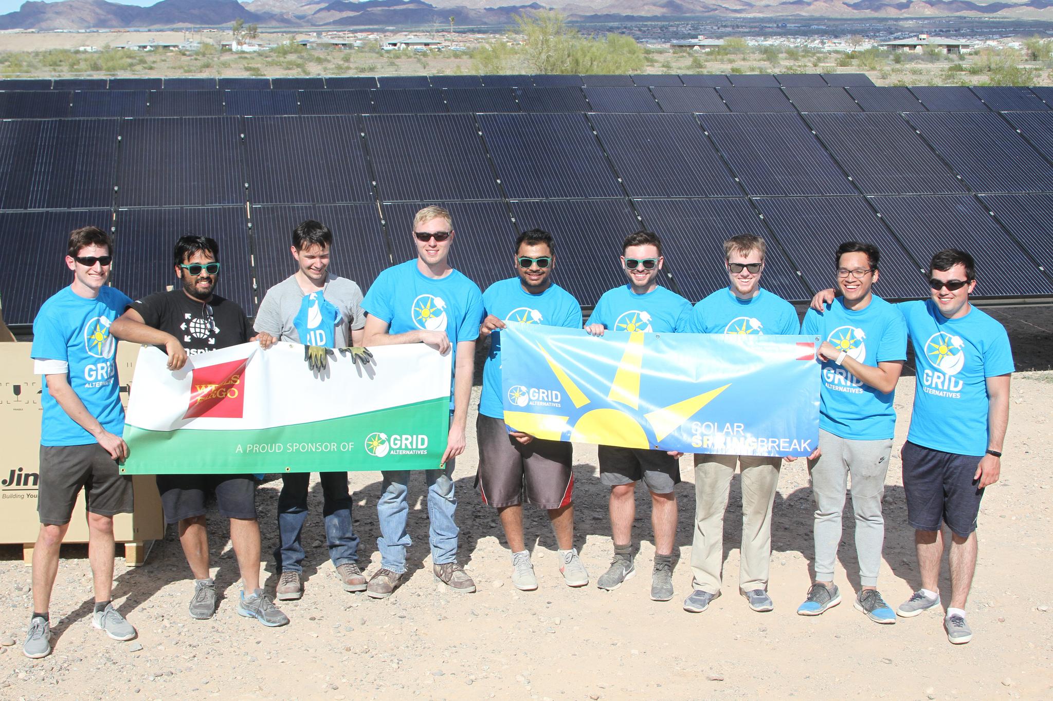 2019 Solar Spring Break students