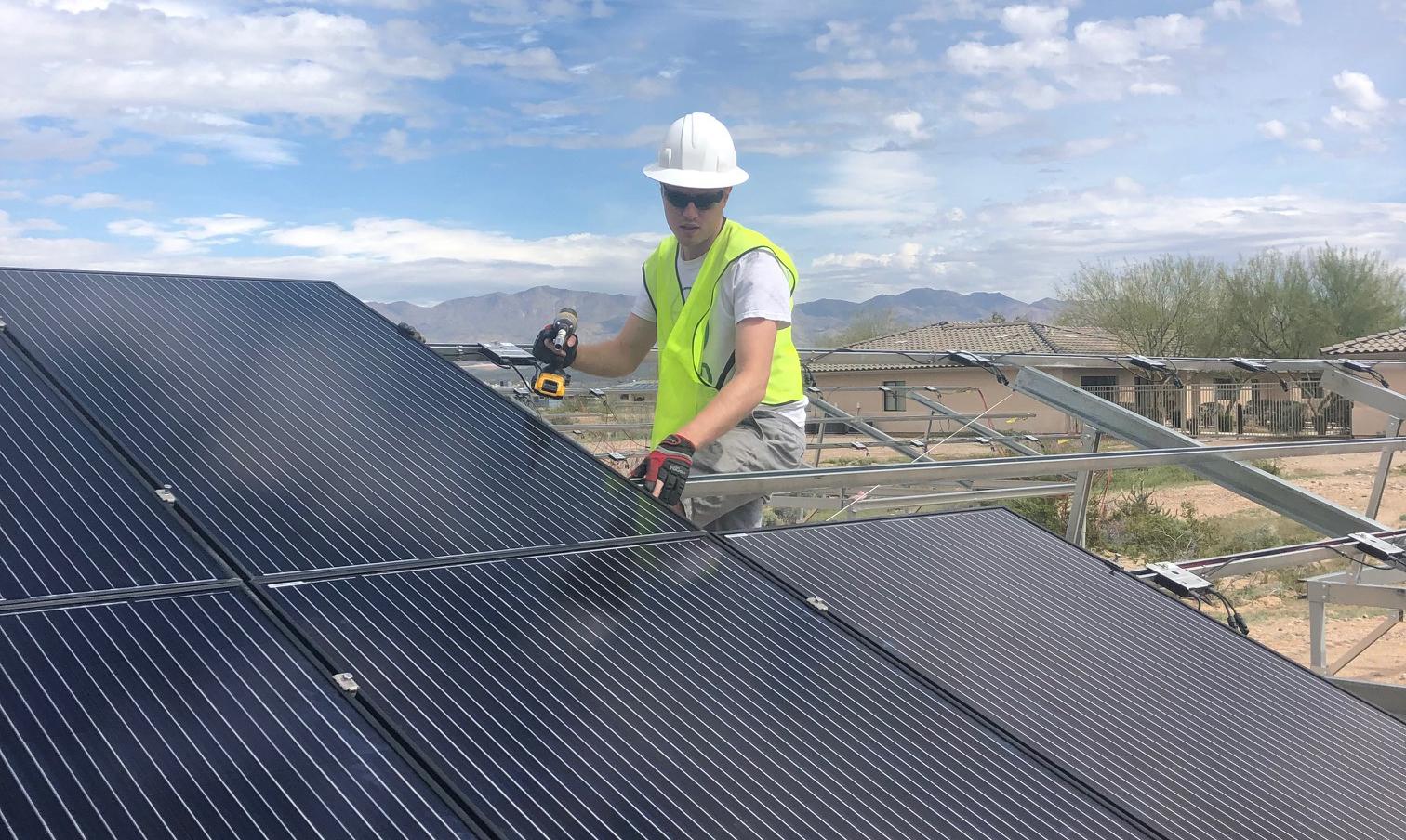 Solar Spring Break 2019 Arizona State University student volunteer