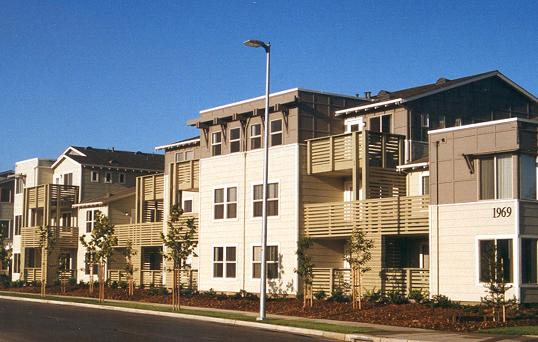 Image: East Palo Alto's Peninsula Park apartment complex
