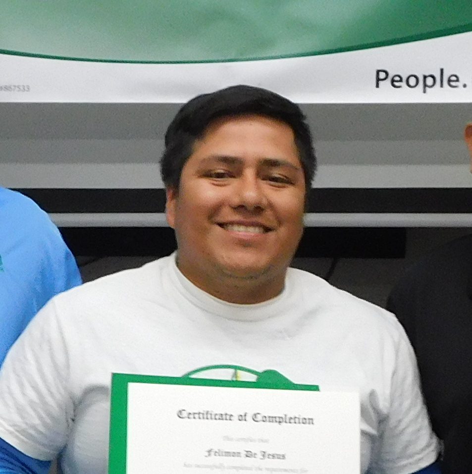 Felimon De Jesus with his IBT Certificate