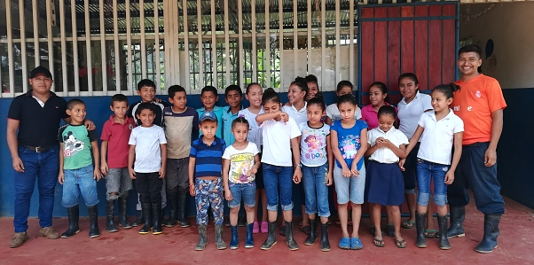 Children at the San Jose el Pariso school