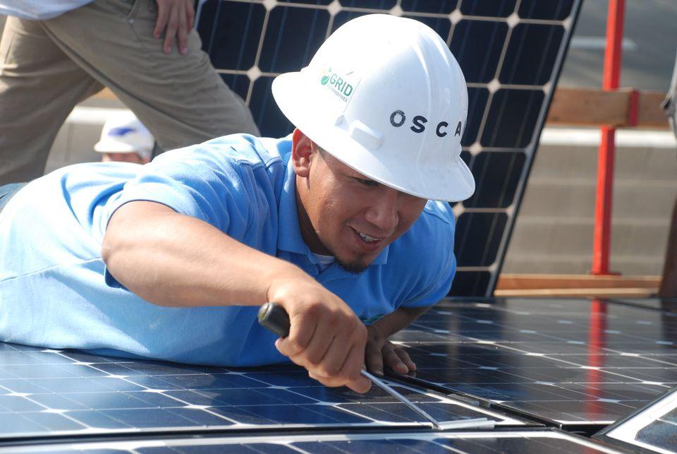 Oscar Mendez, Solar Installation